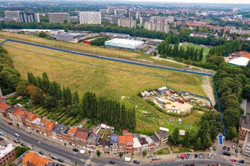 In blue: the site of the upcoming Josaphat summer park and its entrance. © sau-msi.brussels (GlobalView)